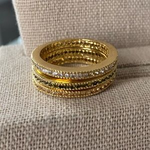 Gold stackable rings (set of 3)
